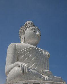 2010 Photograph, Ming Mongkol Buddha, Big Buddha of Phuket, Tambon Chalong, Amphoe Mueang Phuket, Phuket, Thailand, © 2013.  ภาพถ่าย ๒๕๕๓ พระพุทธมิ่งมงคลเอกเนาคคีรี ตำบลฉลอง อำเภอเมืองถูเก็ต ถูเก็ต ประเทศไทย