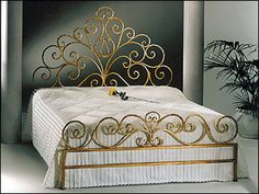 Bedding Design Ideas Tips - Bedding Master Bedroom Modern Night Stands - - Messy Bedding Hair With Veil - Cool Bedding Ideas Receptions Fun Wrought Iron Beds, Steel Bed, Wrought Iron Decor, Bedroom Bed Design, Bed Design, Wrought Iron Furniture, Wrought Iron Design, Pinterest Room Decor, Bed Furniture