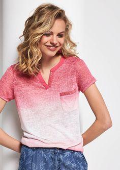 Kurzarm-Strickshirt mit raffinierten Farbverläufen