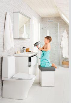 Tyylikkään IDO Glow Rimfree® -wc:n ainutlaatuiset ominaisuudet tekevät siitä aivan erityisen. Huuhtelukaulukseton design on hygieeninen, Fresh WC pitää sen raikkaana, eikä kansi koskaan kolahda! Toilet, Bathroom, House, Design, Washroom, Flush Toilet, Home, Full Bath