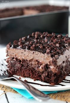 Chocolate Poke Cake - so moist and chocolatey! To die for! - Chocolate Poke Cake - so moist and chocolatey! To die for! Food Cakes, Cupcake Cakes, Cupcakes, Sweets Cake, Just Desserts, Delicious Desserts, Dessert Recipes, Yummy Food, Dinner Recipes