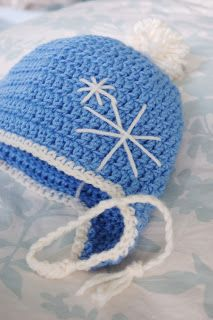 Alli Crafts: Free Pattern: Earflap Hat - Toddler...Super easy pattern to follow, crochets up really fast! I had to add a couple more rounds with increases to get the size I wanted, but other than that, I followed this one to the letter. :)