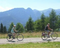 Time in the saddle is the only way to be sure your legs - and butt! - are ready for your bike tour. Here are our tips and suggested training schedule. Training Schedule, Training Programs, Training Tips, Finals Week, Good Attitude, Bike Parts, Just Relax, Sore Muscles, Long Distance
