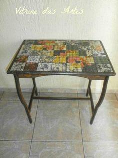 Mesa baixa com  falso mosaico