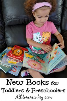 Here are our favorite new books for toddlers and preschoolers that your little ones are sure to love to read again and again! Preschool Books, Toddler Preschool, Book Activities, Preschool Activities, Best Children Books, Toddler Books, Childrens Books, Teaching Kids, Kids Learning