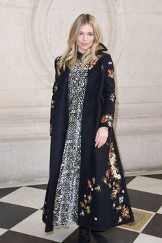 sienna-miller-at-paris-fashion-week-christian-dior-show-3-3-2017-1.jpg (1280×1920)