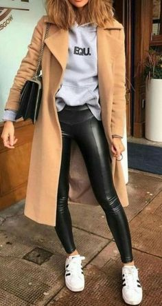 Street Style : 16 Trendy Autumn Street Style Outfits For 2018 Trendy Fall Outfits, Popular Outfits, Summer Outfits, Casual Outfits, Autumn Outfits, Warm Outfits, Hipster Outfits For Women, Black Outfits, Outfit Winter