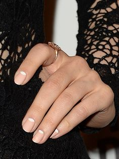 Rachel McAdams nail art at film premiere - cosmo uk beauty