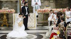 Tiefer Knicks: Die Hand ihes Bräutigams ließ Sofia den ganzen Tag über kaum los.