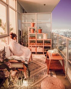 47 apartment style balcony decor ideas that can be applied in your home 2 Small Balcony Decor, Small Patio, Balcony Ideas, Balcony Garden, Patio Ideas, Small Balcony Design, Balcony Plants, Outdoor Balcony, Outdoor Ideas