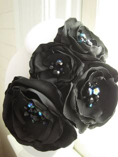 broche de la flor de tela  pin de ramillete por MariaLouiseHightoo
