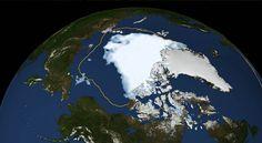 Sur cette photo de la NASA, l'agence spatiale américaine, tu peux voir ce qui se passe sur la banquise : la masse blanche, c'est la banquise actuelle, et la ligne jaune représente la surface qu'elle occupait, entre 1979 et 2010, en été. (© Photo/NASA)