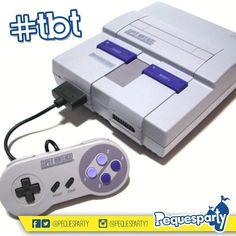 #tbt la consola de #videojuegos favorita de los #90s. Quién no disfrutó jugando #SuperMarioWorld #MegamanX #MortalKombat o #Metroid en uno de estos? #supernintendo #nintendo #supermario #mariobros #videogames #consoles #retropeque #mcbo #maracaibo #zulia #vzla #marketing #activaciones
