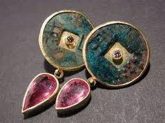 Risultati immagini per orecchini antichi indiani