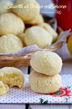 Italian Food ~ ~ Coconut and Lemon Biscuits Italian Cookies, Italian Desserts, Italian Recipes, Biscotti Cookies, Galletas Cookies, Lemon Biscuits, Christmas Biscuits, Baked Avocado, Cheesecake Desserts