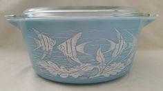 Rare Pyrex Angelfish dish from Pyrex Passion. Vintage Kitchenware, Vintage Dishes, Vintage Glassware, Vintage Pyrex, Pyrex Display, Rare Pyrex, Pyrex Bowls, Vintage Pottery, Vintage Love