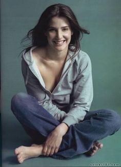 """Photo collection of celebrity Cobie Smulders, one of the hottest women in Hollywood. Cobie Smulders is the Canadian actress best known as Robin Scherbatsky on the CBS sitcom """"How I Met Your Mother."""" Named after a great-aunt Jacoba, she is of Dutch and English descent. In 2012, Smulders ap..."""
