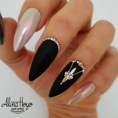 Nail art Christmas - the festive spirit on the nails. Over 70 creative ideas and tutorials - My Nails Pink Glitter Nails, Metallic Nails, Bling Nails, Gems On Nails, Black Stiletto Nails, Matte Nails, Black Nail Designs, Simple Nail Designs, Nail Art Designs