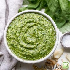 Spinach Basil Pesto is loaded with bright herby flavor & made in just a few minutes. You won't miss the cheese in this paleo, vegan + pesto. Whole30 Pesto, Vegetarian Pesto, Healthy Pesto, Pesto Dip, Pasta Sauce, Recipe Pasta, Nutritional Yeast Recipes, Whole 30 Recipes, Larissa Reis