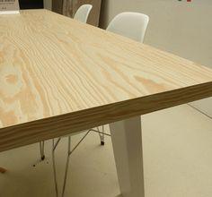 hippe design tafel, underlayment look, met harde melamine toplaag. Te koop bij Tavolo enzo