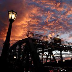 久々夏にしっかりと逆襲されたような極暑日・・でもお陰ですっごい夕暮れも出現。冗談みたいな'圧巻'の光景 Kanazawa, Sydney Harbour Bridge, Scenery, Travel, Viajes, Landscape, Destinations, Traveling, Paisajes