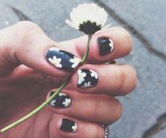 daisy nails #nailart #manicure