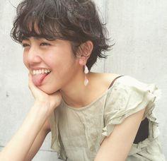 スタイリスト:梅本 洋右のヘアスタイル「STYLE No.20803」。スタイリスト:梅本 洋右が手がけたヘアスタイル・髪型を掲載しています。