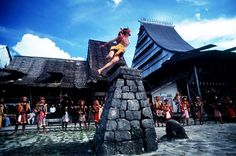 """skipping stones, """"fahombo batu"""" Pulau Nias, Sumatera Utara"""