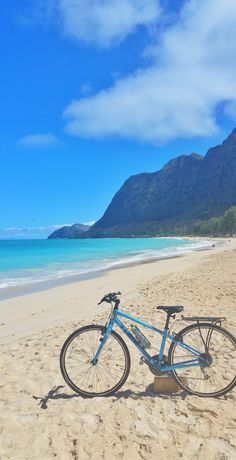 Waimanalo Beach - Oahu, Hawaii. Vacation tips with things to do in Oahu Hawaii as outdoor activities like biking, hikes, beaches, snorkeling from Waikiki, Kailua, Lanikai, Honolulu, with Oahu map. Checklist of Oahu activities for bucket list destinations. Use it as potential day trip itinerary as a self-guided tour with Hawaii cycling! North Shore has a bike path too! USA travel destinations for world adventures! Put outfits on Hawaii packing list for what to wear and what to pack for…
