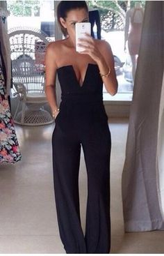 This romper is amazing wedding guest outfit 20 Chic & Cheap Jumpsuits Long Jumpsuits, Jumpsuits For Women, Mode Jeans, Looks Street Style, Mode Inspiration, Fashion Inspiration, Fashion Trends, Mode Style, 70s Style