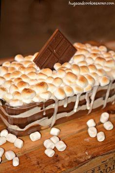 S'mores Cookie Lasagna Köstliche Desserts, Delicious Desserts, Dessert Recipes, Yummy Food, Yummy Treats, Sweet Treats, Lasagna Ingredients, Chocolate Lasagna, Sweet Recipes