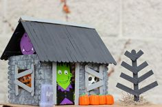 Halloween Haunted House Craft for Kids | Have the kids make their own spooky haunted house for Halloween this year!