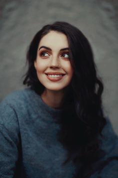 adelaide kane, mary stuart, and reign afbeelding Adelaide Kane, Mary Queen Of Scots, Queen Mary, Red Queen, Mary Stuart, Half Wigs, Victoria, Celebs, Celebrities