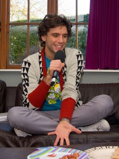 Mika cuuuuuuuute @ Jo Whiley's for the BBC Radio 1 Live Lounge Tour Dec 12 2007