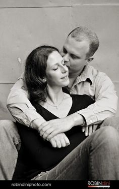 couple kissing, black and white, engagement session, portrait, embrace