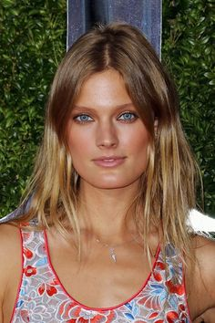 Constance Jablonski attends American Theatre Wing's Annual Tony Awards at Radio City Music Hall on June 2015 in New York City. (Photo by Jim Spellman/WireImage) Blonde Balayage, Blonde Hair, Bronze Makeup Look, Radio City Music Hall, Thing 1, Red Carpet Event, Beauty News, Celebrity Beauty, Soft Summer