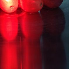 red grapes in an aluminum bowl with a red light shining on them - Red Grapes, My Photos, Photography, Fotografie, Photography Business, Photo Shoot, Fotografia, Photograph