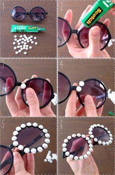 DIY Embellished Sunglasses With Pearls projekte aufbewahrung 15 Ways to Make Cool DIY Embellished Sunglasses - Pretty Designs Diy Tumblr, Karneval Diy, Diy Fashion Projects, Cute Sunglasses, Sunnies, Tumblr Outfits, Pretty Designs, Diy Accessories, Cool Diy