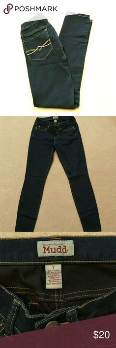 Mudd skinny jeans size 7 Juniors Like new worn once. Dark wash jeans. Inseam 30 inches. Mudd Jeans Skinny