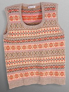 peachy prince of wales fair isle! Knitting Machine Patterns, Knit Patterns, Stitch Patterns, Fair Isle Knitting, Baby Knitting, Vintage Knitting, Free Knitting, Norwegian Knitting, Knitting Designs