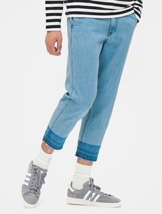 This is a wide denim pants that has given point with cropped length and washing detail. It is an item great to be matched with color socks for point wear. Colorful Socks, Denim Pants, Mom Jeans, Detail, How To Wear, Fashion, Moda, Denim Jeans