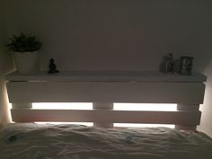 LED-belysning i pall-sänggaveln
