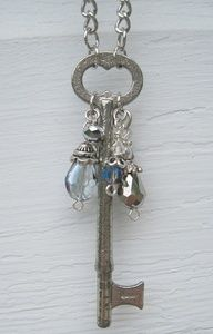 Doing this but with a rustic key. I did a rustic key with two strands. One teal strand and one multicolored strand with blues browns creams. - July 20 2019 at Wire Jewelry, Jewelry Crafts, Beaded Jewelry, Jewelery, Handmade Jewelry, Jewelry Necklaces, Necklace Ideas, Jewelry Ideas, Jewelry Case