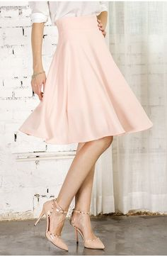 this skirt is modest and beautiful without being frumpy. I want one! trumpet skirt