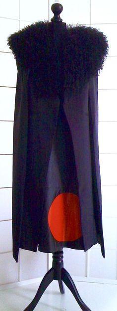 Leichtes DAMEN-CAPE, schwarz, Größe S/M (8) ohne Pelzkragen,schwarz