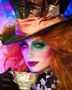 Yeux Halloween, Costume Halloween, Halloween Makeup Looks, Halloween Outfits, Disney Halloween Makeup, Tim Burton Halloween Costumes, Funny Halloween, Halloween Makeup Tutorials, Halloween Costumes For Redheads