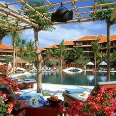 【H.I.S.】【THE WESTIN RESORT NUSA DUA BALI】ウェスティン・リゾート・ヌサドゥア バリはモダンスタイルとバリ島の伝統的雰囲気を併せもつ人気ホテル。お部屋には全室ウェスティン特有のベッド「ヘブンリーベッド」を設置。 Bali, Travel Photos, Places, Outdoor Decor, Home Decor, Family Vacations, Decoration Home, Travel Pictures, Room Decor