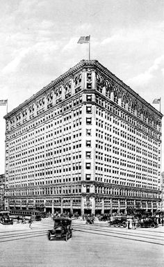 Gimbels was at 6th Avenue and Smithfield Street.  It was the working man's department store.