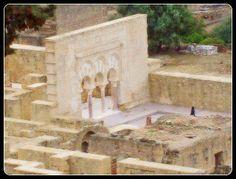 En noviembre del año 936, Abderraman III inicia la construcción de Medina Azahara, calificada como el Versalles de la Edad Media