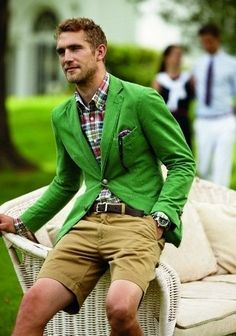 I had a dark green blazer once.I don't even remember what happened to it.This one is nice!!!.